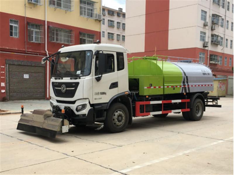 国六天锦路面清洗车