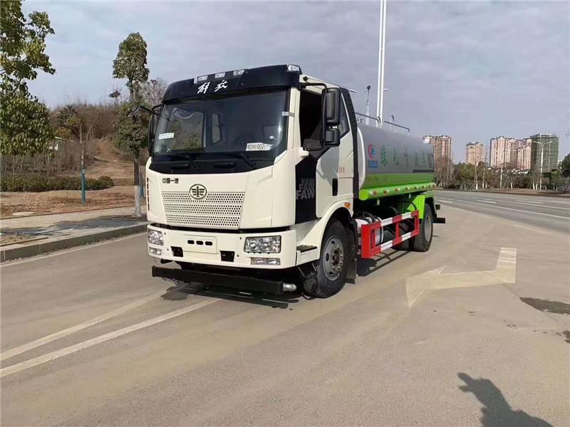 15吨解放J6洒水车(可上北京牌照)
